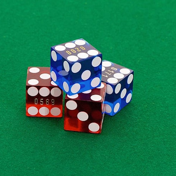 Learn How to Win at Online Casino Table Games